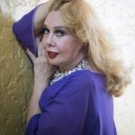 Com 50 anos de carreira, Rogéria fala sobre infância, caso com mulher e prostituição