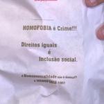 Indignado com homofobia, padeiro divulga mensagens em sacos de pão