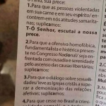 Folheto de igreja católica pede enfrentamento à 'ofensiva homofóbica'